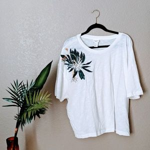 H&M Anna Glover White Tee with Beaded Leaf Sz L